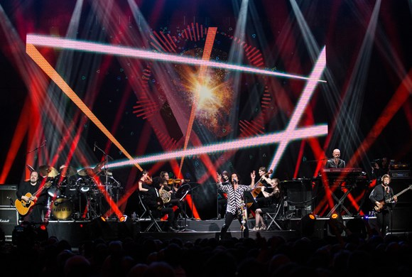 Marillion with Friends from their Orchestra